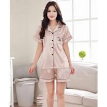 ชุดนอนผู้หญิง เสื้อแขนสั้น + กางเกงขาสั้น Korean V-neck silk - สีครีม
