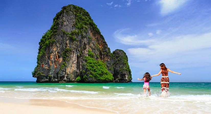 แนะนำ 10 แหล่งดำน้ำ ที่สวยที่สุดใน ประเทศไทย !!!